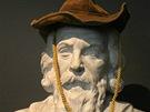 Busta Jana Amose Komenského se po nasazení klobouku změní v podobiznu Buffalo
