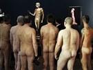 Návštěvníci výstavy Nackte Männer (Nazí muži) ve vídeňském Leopoldově muzeu
