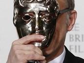 Herec Christoph Waltz s cenou BAFTA za vedlejší roli ve filmu Nespoutaný Django