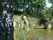 Okolí kamenolomu se v podstatě moc nezměnilo, majitelé pouze vymýtili spousty...