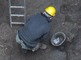 Základy domů objevili zaměstnanci PVS při opravě vodovodního řadu.