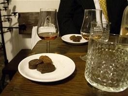 Ochutnávku koňaků mimo jiné doprovázely variace originálních čokoládových