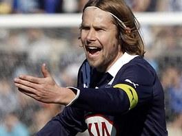 �esk� z�lo�n�k Jaroslav Pla�il coby kapit�n fotbalist� Bordeaux v utk�n� proti