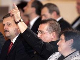 Poslanec �SSD Ev�en Sn�til� p�i prezidentsk� volb� na Pra�sk�m hrad� hlasoval