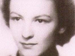 Eva Vaňková na pomaturitní fotografii