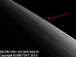 Meteorit zaznamenala i meteorologick� sonda EUMETSAT Na z�b�ru je patrn� stopa
