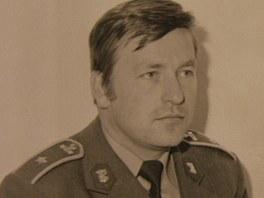 Krajský radní Václav Kučera je na archivním snímku v uniformě Pohraniční stráže.
