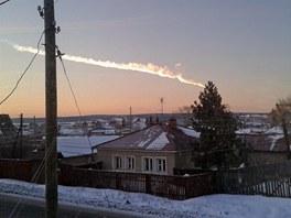 Na snímku je zachycený meteorit, který proletěl blízko ruské vesnice Bolšoje