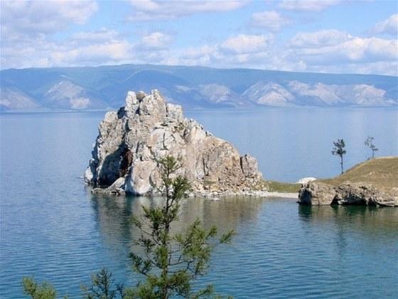 Zažijte sibiřskou rapsodii se vším: Bajkalem, šamanem i ruským menu