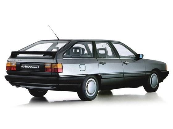 Zadní část Audi 100 Avant vesměs čelila kritice, na lifestylové kombíky bylo