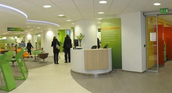 První pobočka Sberbank v České republice. Banka vznikla přejmenováním Volksbank.