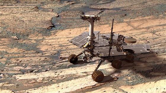 Opportunity se prohání po povrchu Marsu od roku 2004. Za tu dobu stihlo