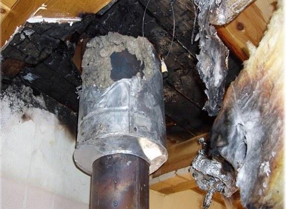 Po požáru střešní konstrukce