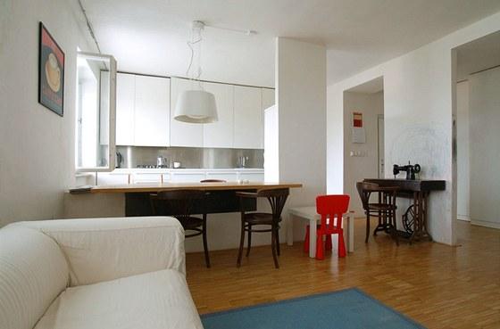Obytný prostor 3: při rekonstrukci bytu z 50. let se vybouraly části příčky