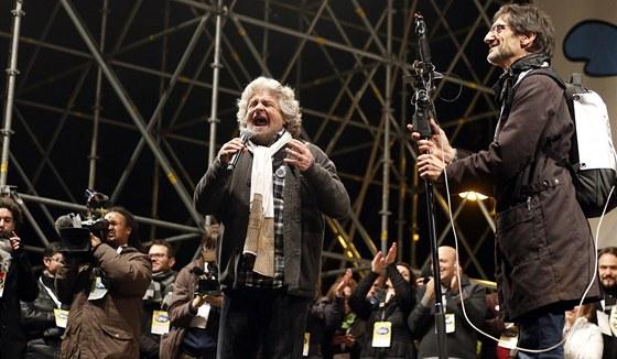 Beppe Grillo na jednom z p�edvolebn�ch m�tink� (22. �nora 2013)