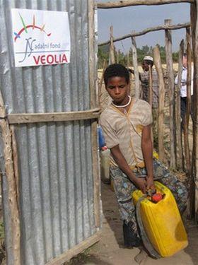 Africké karafy přispěly na opravy etiopských studní