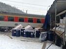 Nehoda nákladního automobilu s vlakem na přejezdu v Králově Dvoře na Berounsku....