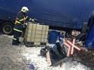 Nehoda kamionu na železničním přejezdu v Králově Dvoře (23. února 2013).