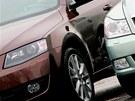 Nalevo nová Škoda Octavia, vpravo předchozí generace