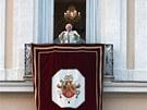 Benedikt XVI. ještě naposledy zdraví a žehná věřícím v Castel Gandolfo coby
