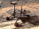 Opportunity se prohání po povrchu Marsu od roku 2004. Za tu dobu stihlo...