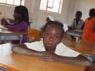 V této škole v provincii Kuembo mají některé děti dokonce sešity a učebnice.