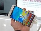 LG Optimus G Pro má displej jak malovaný. Tradi�n� asijsky syté barvy, �pi�kový...