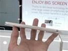 T�lo modelu Optimus G Pro je docela tenké, displej má jen minimální ráme�ek,...