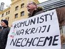 Demonstrace v sídle Královéhradeckého kraje na hradeckém Pivovarském náměstí