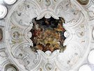 Přes dvě stě milionů z Unie jde na opravy zámeckého areálu ve Veltrusech. Stále to však nejsou peníze na opravu celého zámku včetně interiérů.