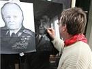 Kamenosochař Petr Šebesta pracuje ve svém ateliéru na podobizně generála a
