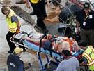 Jeden ze zran�n�ch div�k� p�i nehod� v z�vodu NASCAR v Dayton�.