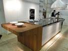 Prostorový pult kuchyně Mesa společnosti Schiffini