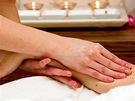 Masáž rukou - Snad ten nejpříjemnější pocit, zvlášť pro ty, kteří tráví život
