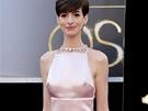 Anne Hathawayov� v �atech Prada