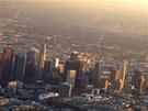Střed města (Downtown) Los Angeles – přes den kypí životem, v noci prakticky