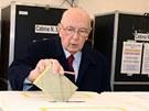 Italský prezident Giorgio Napolitano vhodil svůj hlas do volební urny v Římě.