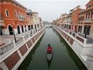 Kopie italsk� Florencie nazvan� Florentia Village je ve skute�nosti luxusn�m obchodn�m centrem.