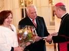 Livia Klausová a prezident Václav Klaus při loučení se zahraničními diplomaty