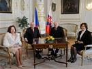 Český prezident Václav Klaus s manželkou Livií a slovenský prezident Ivan
