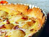 Lahodný hruškový koláč s macsarpone podle Martina Škody (recept z kuchařky Škoda nevařit, Smart Press))