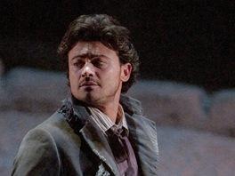 Vittorio Grigolo jako Rodolfo v Pucciniho opeře La Boheme