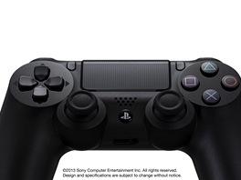 Ovladač PlayStation 4 se jmenuje Dualshock 4 a má přední dotykovou plochu.