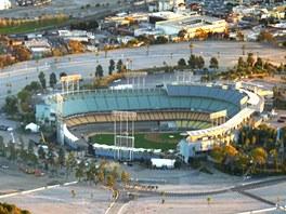 Dodger Stadium – od roku 1962 domácí hřiště klubu Los Angeles Dodgers –