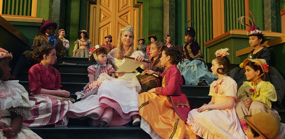 Michelle Williamsov� ve filmu Mocn� vl�dce Oz