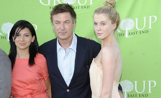 Alec Baldwin s manželkou a dcerou Ireland, kterou má s herečkou Kim