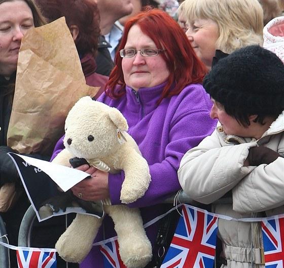 Medv�dka p�inesla v�vodkyni Diana Burtonov�.