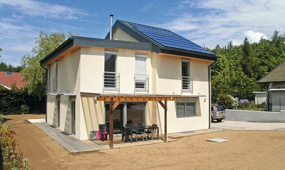 Difúzně otevřené stěny domů dřevostaveb řady POP společnosti ECOMODULA umožňují