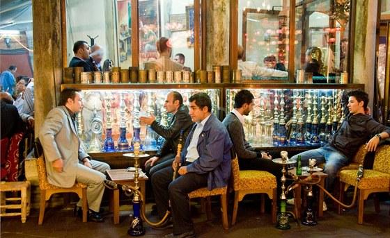 V Turecku je ohroženo kouření tradiční vodní dýmky, úřady ji od ledna zakázaly