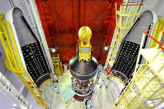 Jak naskládat sedm družic do rakety PSLV-C20
